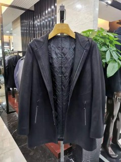 M87168 秋冬 2019 不可拆卸帽子 棉服