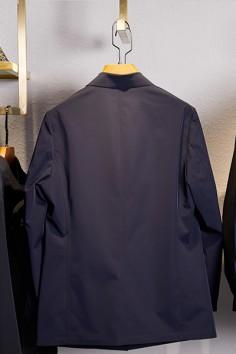 F2157春秋新款牛奶丝面料翻领扣板风衣